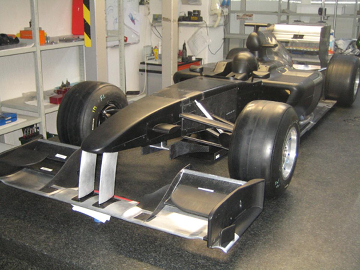 ロータス 2010年F1マシン 画像
