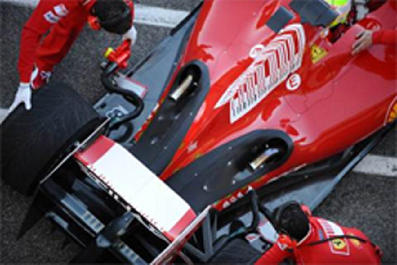 フェラーリ、F60の排気口デザインを修正