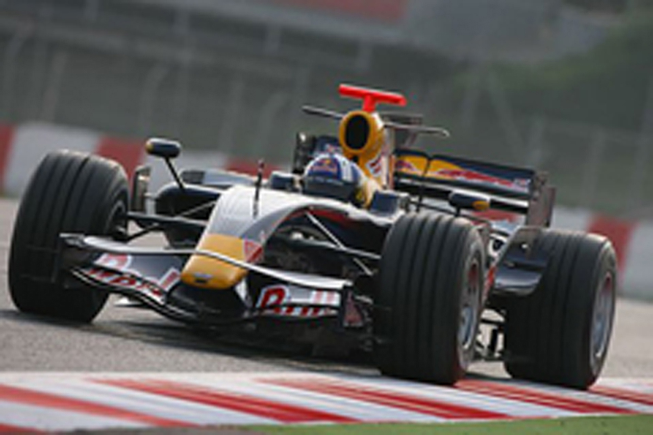 レッドブルはクルサードが復帰し2番手タイムを記録