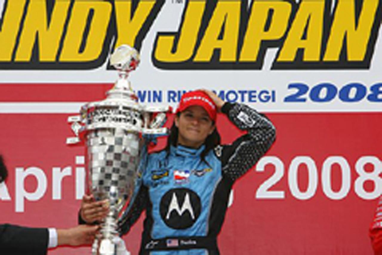 女性ドライバーとしてインディ史上初となる優勝を飾ったダニカ・パトリック