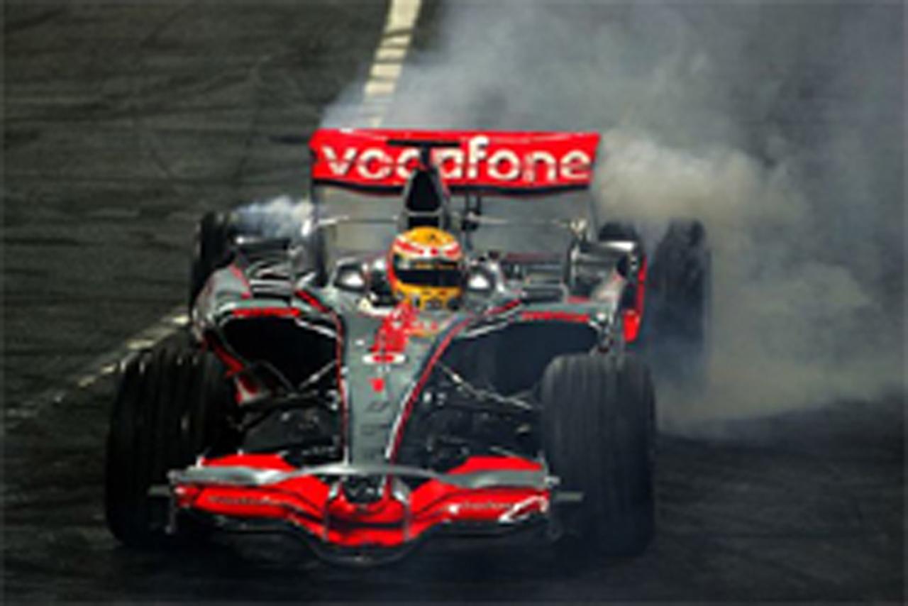 ルイス・ハミルトンの優勝パレードが中止