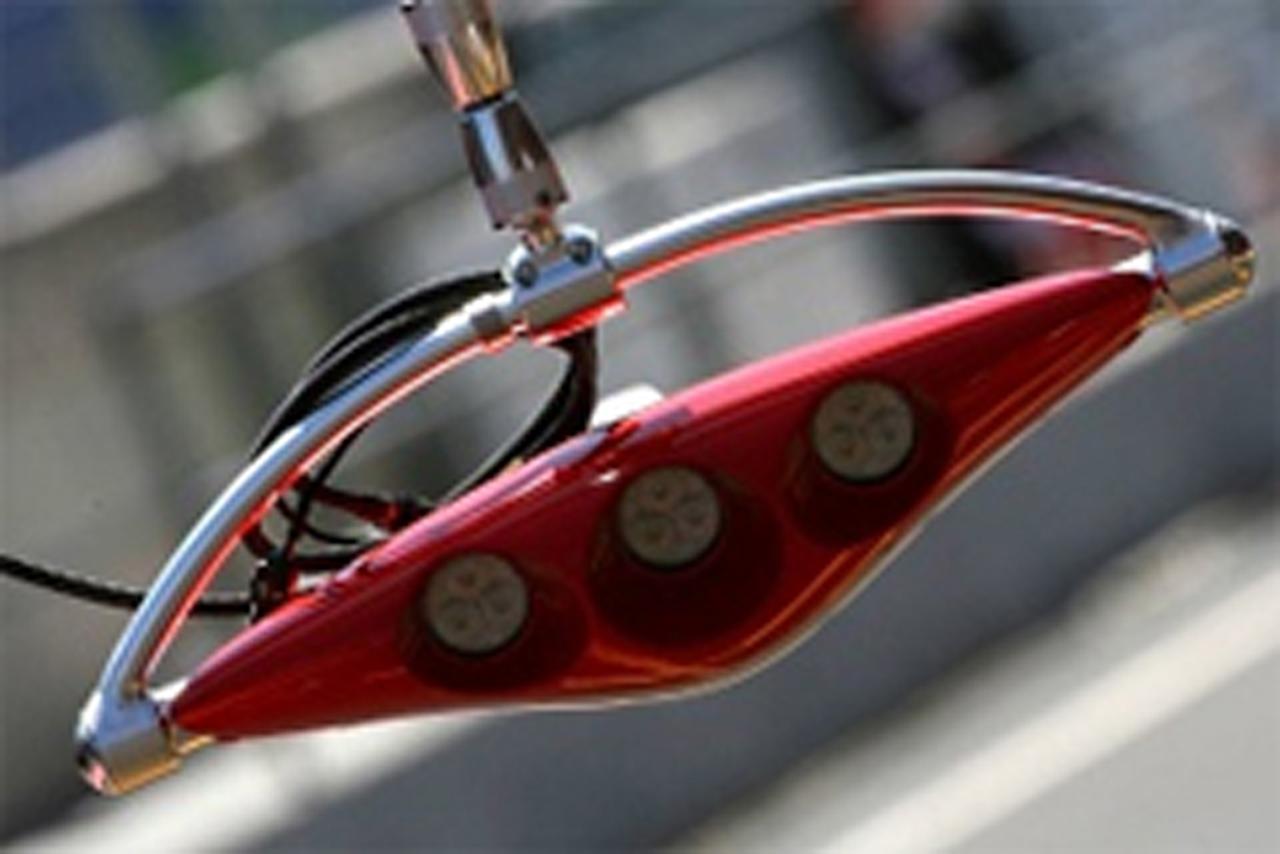 フェラーリ ピットストップ信号システム