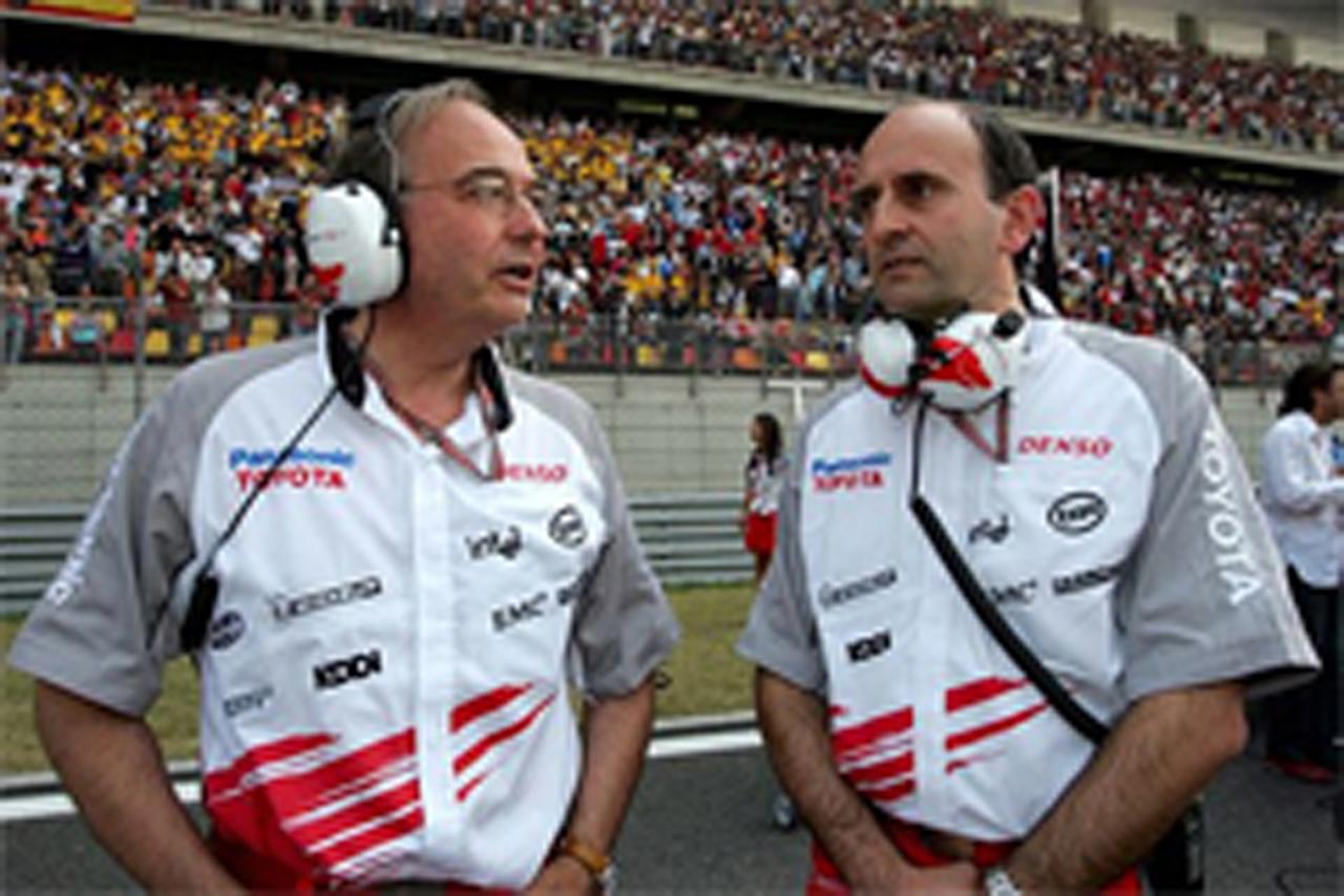 ジョン・ハウエット(左)とルカ・マルモリーニ(右)