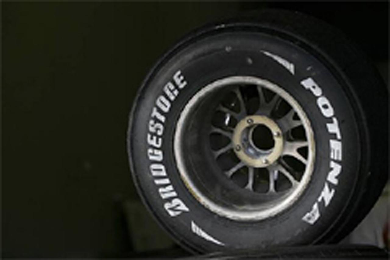 F1 スリックタイヤ