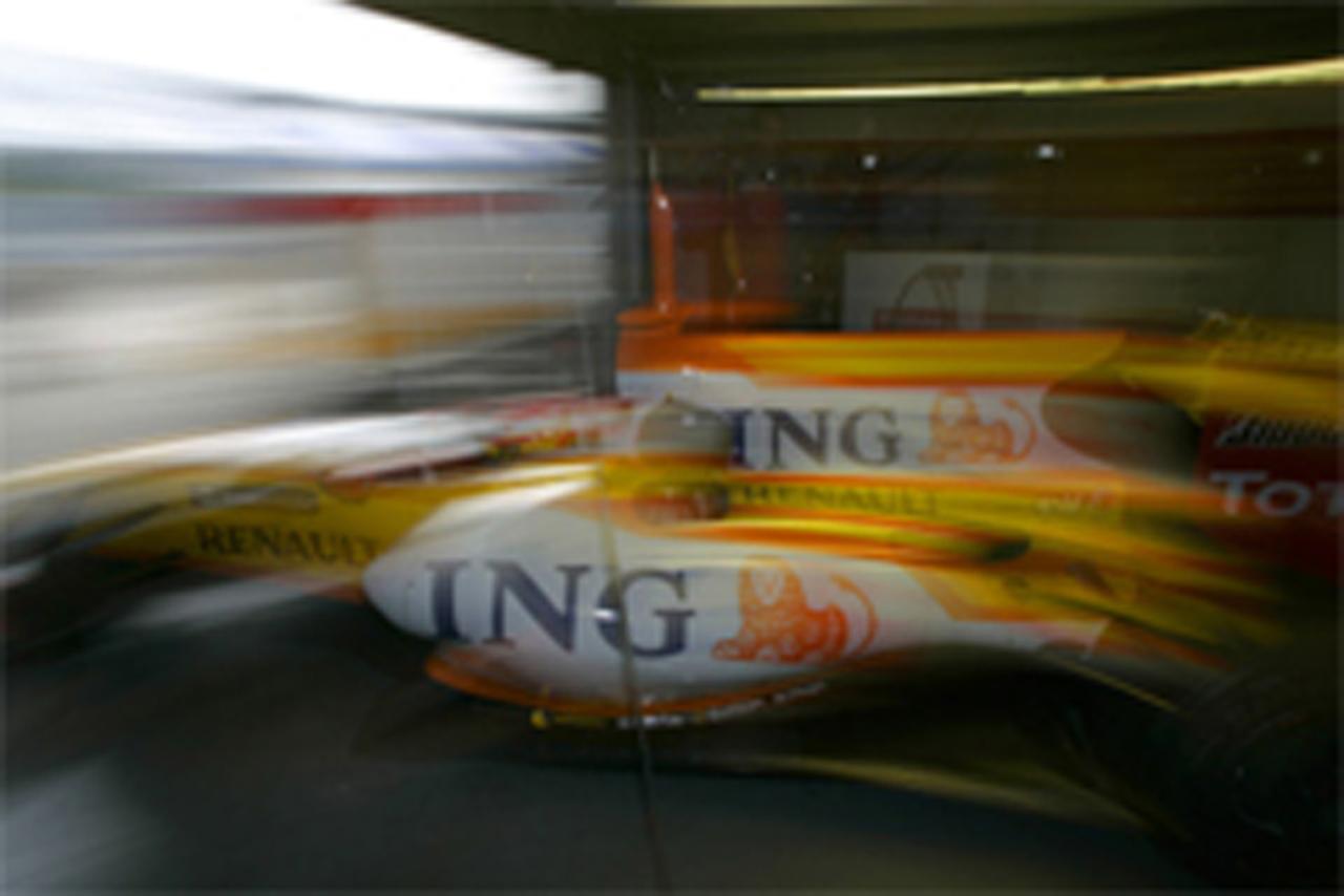 ルノー、F1撤退と警告