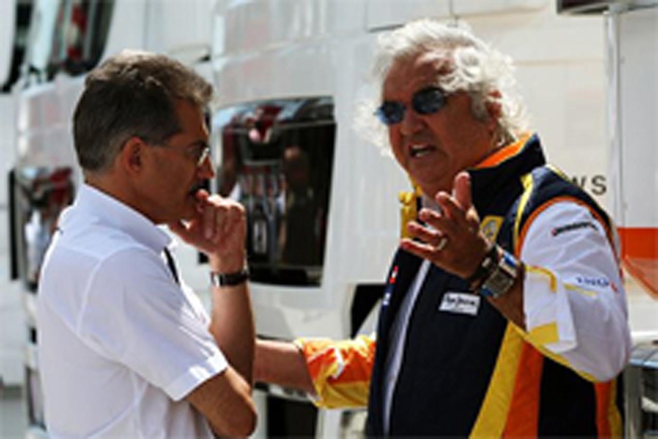 ルノー F1撤退を検討