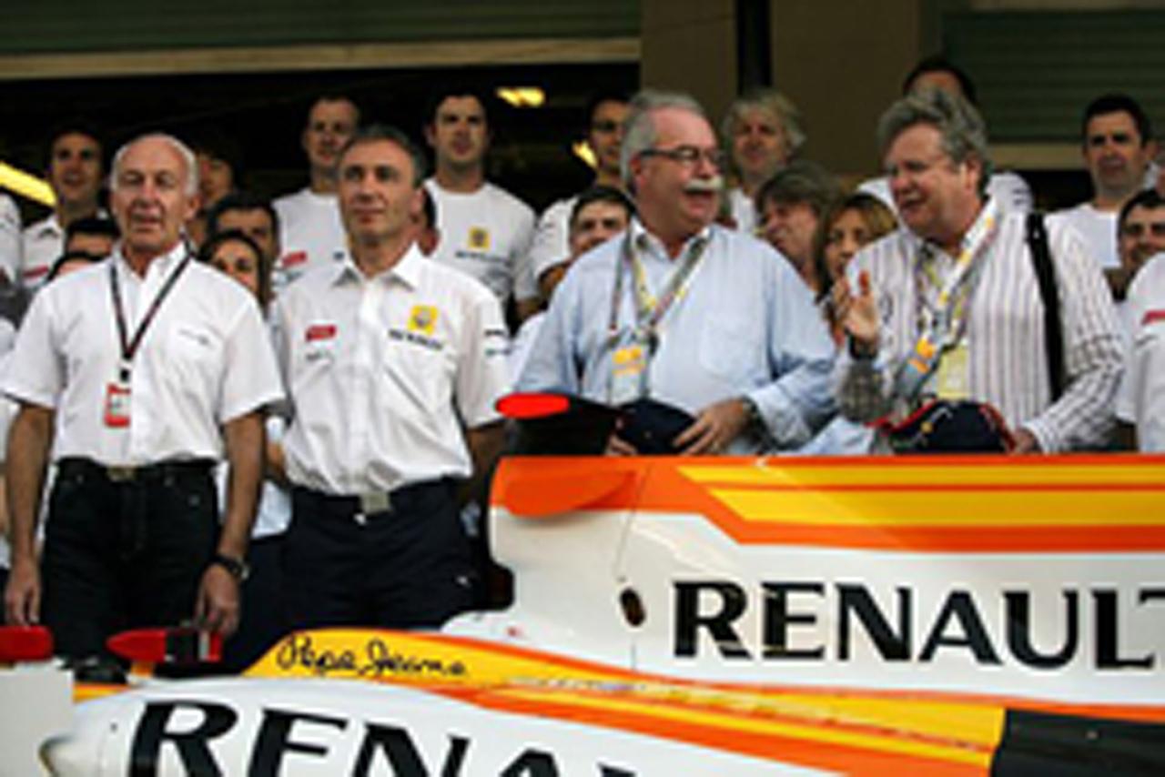 ルノー、F1撤退を検討
