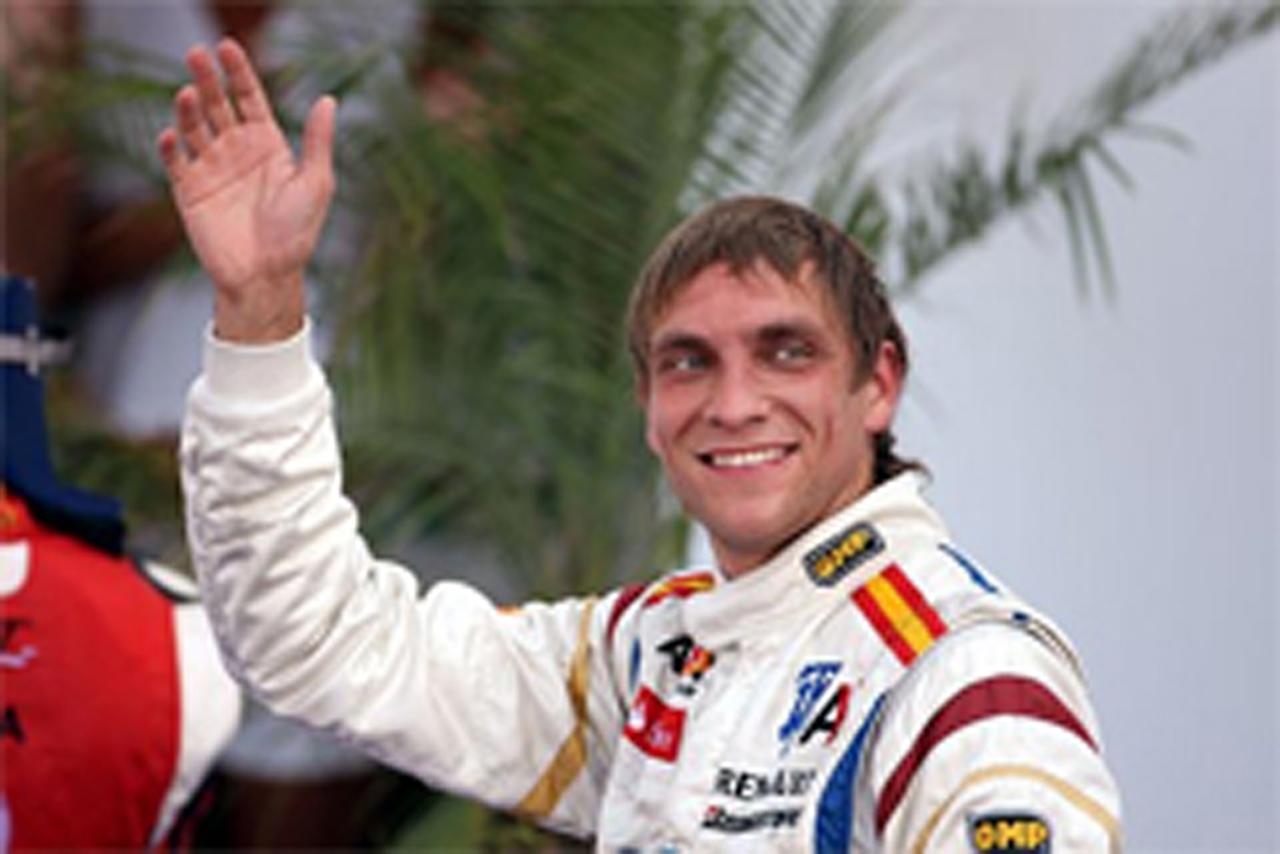ヴィタリー・ペトロフ ルノーでのF1デビューが確定