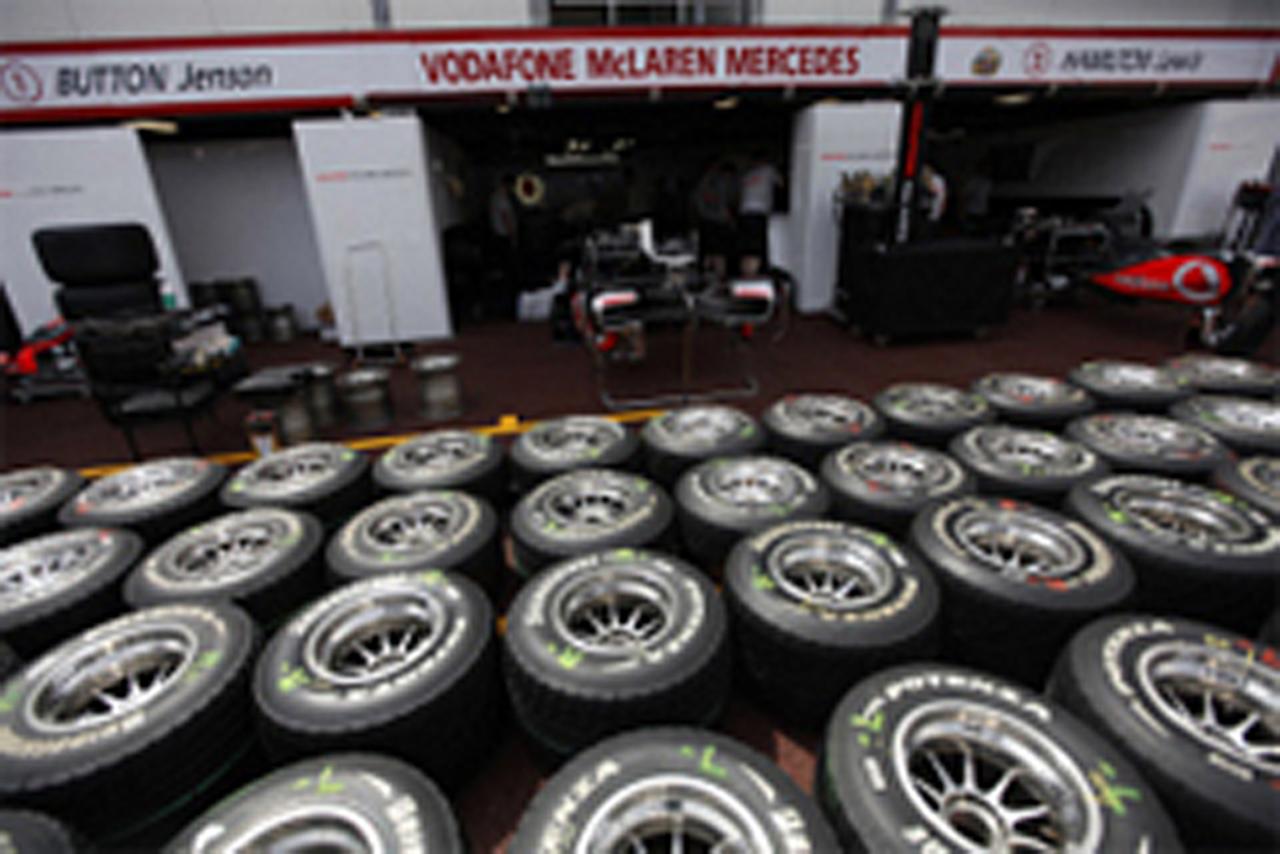 2011年 F1タイヤ ミシュラン vs ピレリ