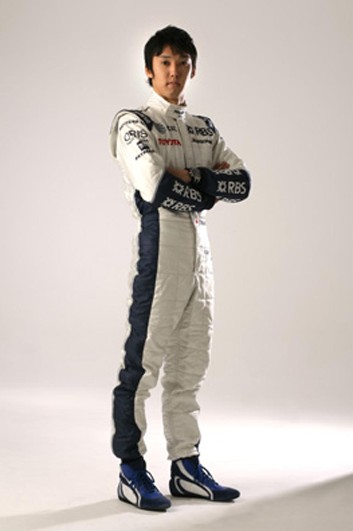 新しいレーシングスーツを着た中嶋一貴(画像)