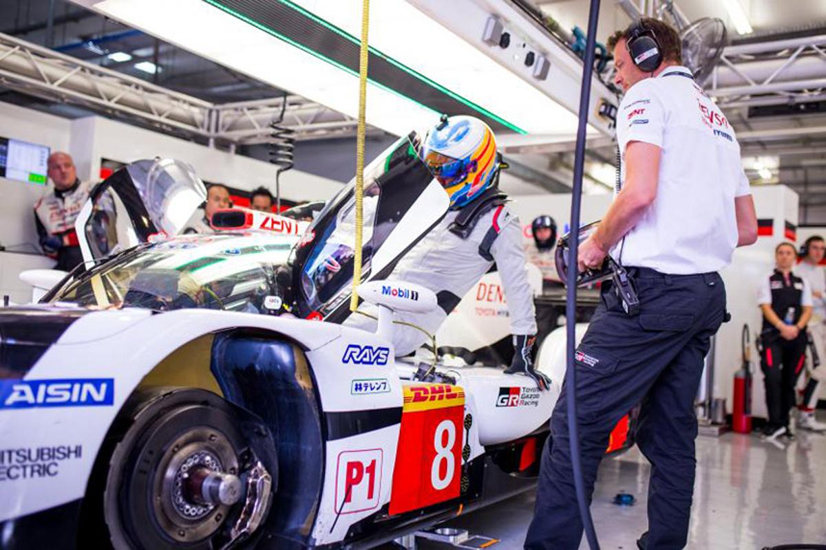 FIA 世界耐久選手権トヨタ自動車 フェルナンド・アロンソ
