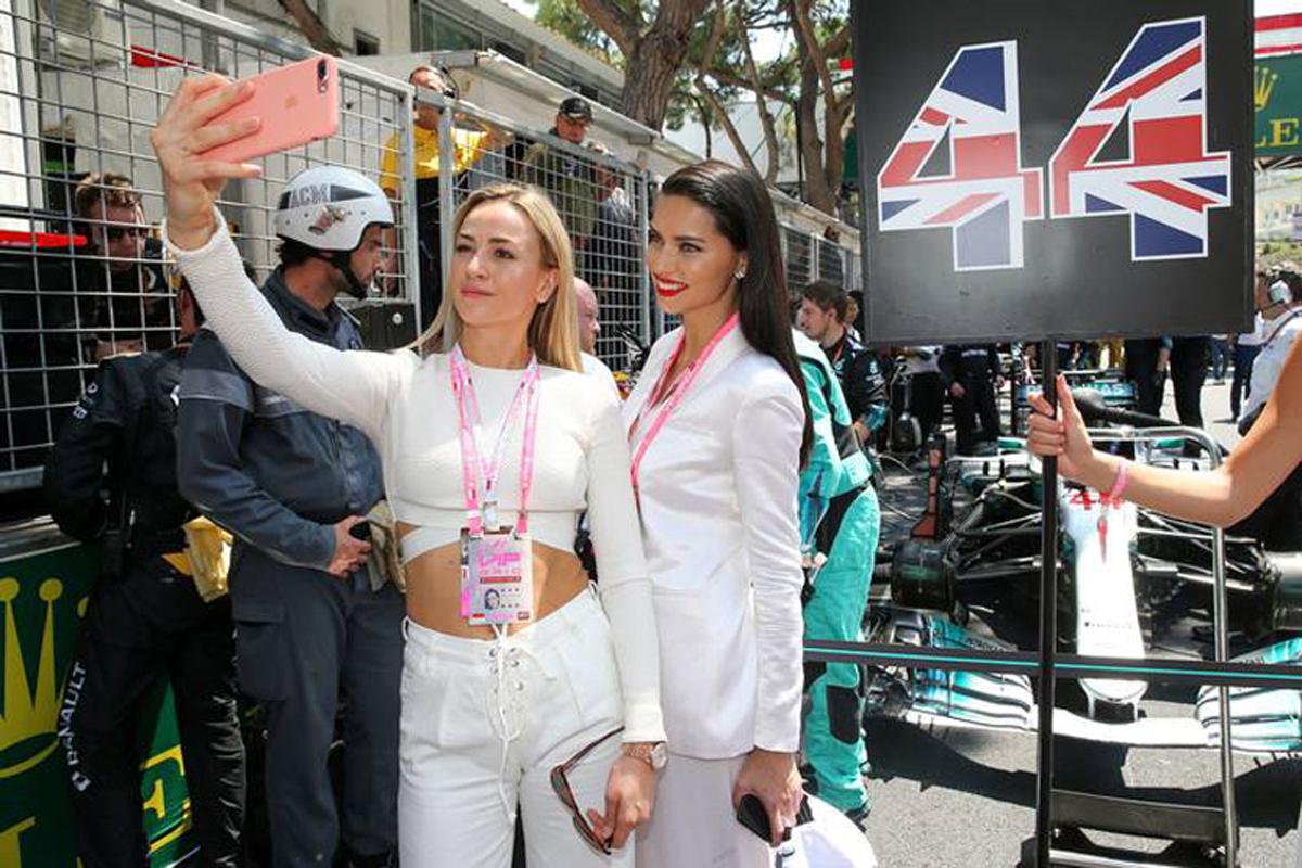 カルメン・ホルダ F1 国際自動車連盟