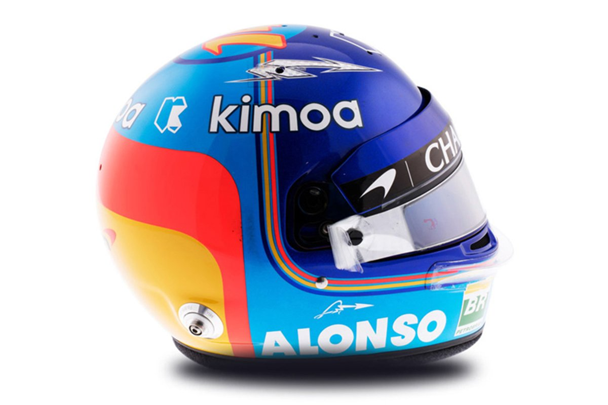 フェルナンド・アロンソ 2018年 F1ヘルメット 写真