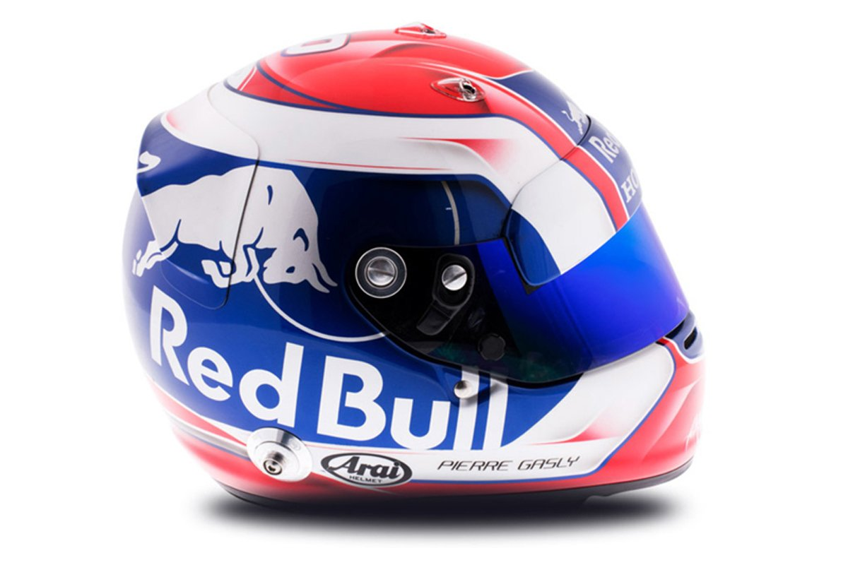 ピエール・ガスリー 2018年 F1ヘルメット 写真