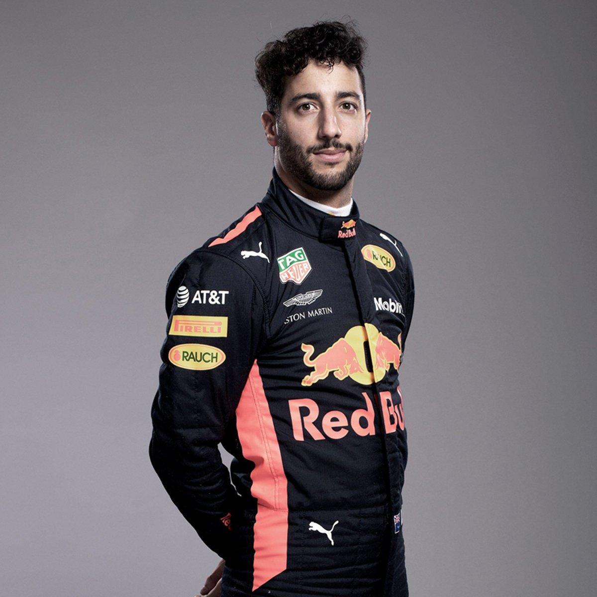 ダニエル・リカルド(レッドブル):2018年 F1レーシングスーツ