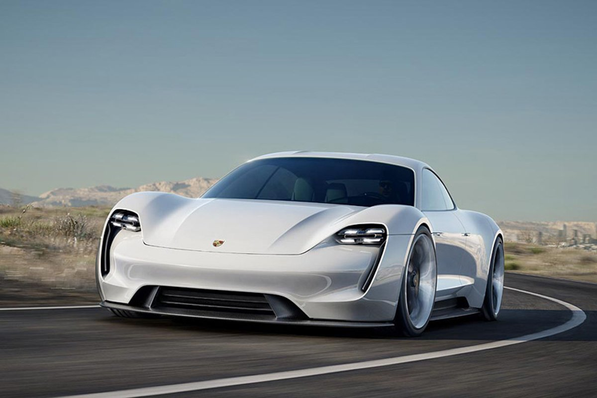 ポルシェ ミッションE 電気自動車