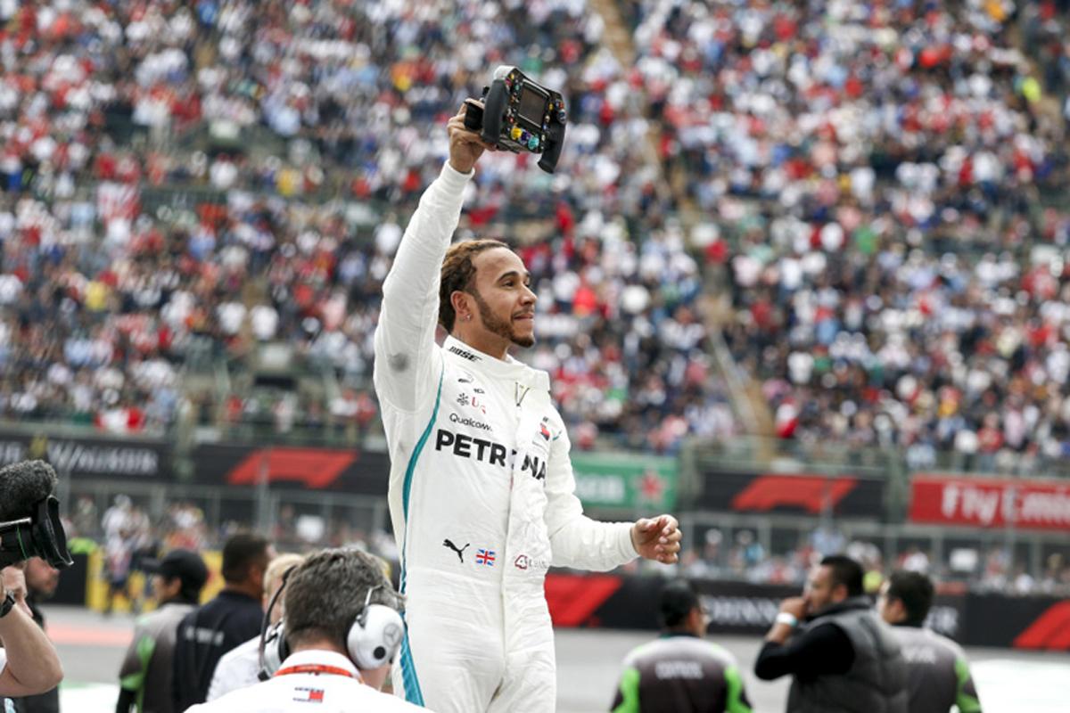 F1 ルイス・ハミルトン ワールドチャンピオン