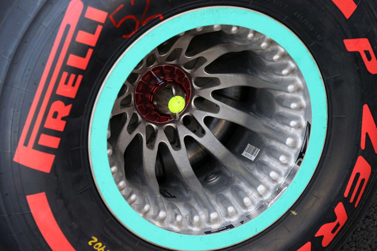 F1 メルセデス リアホイール