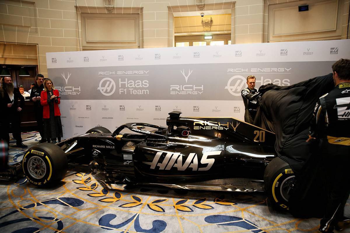 F1 ハースF1チーム ダラーラ