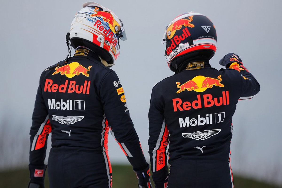 F1 ヘルメット