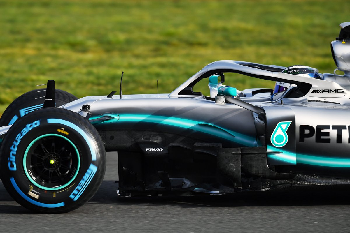 F1 メルセデス W10