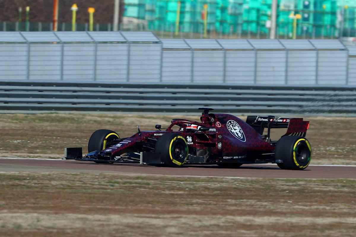アルファロメオ・レーシング 2019年F1マシン ⑥