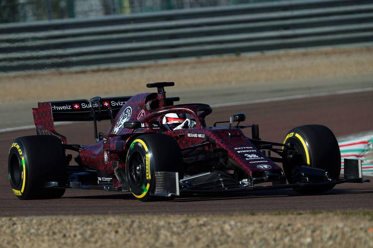 アルファロメオ・レーシング 2019年F1マシン ⑦