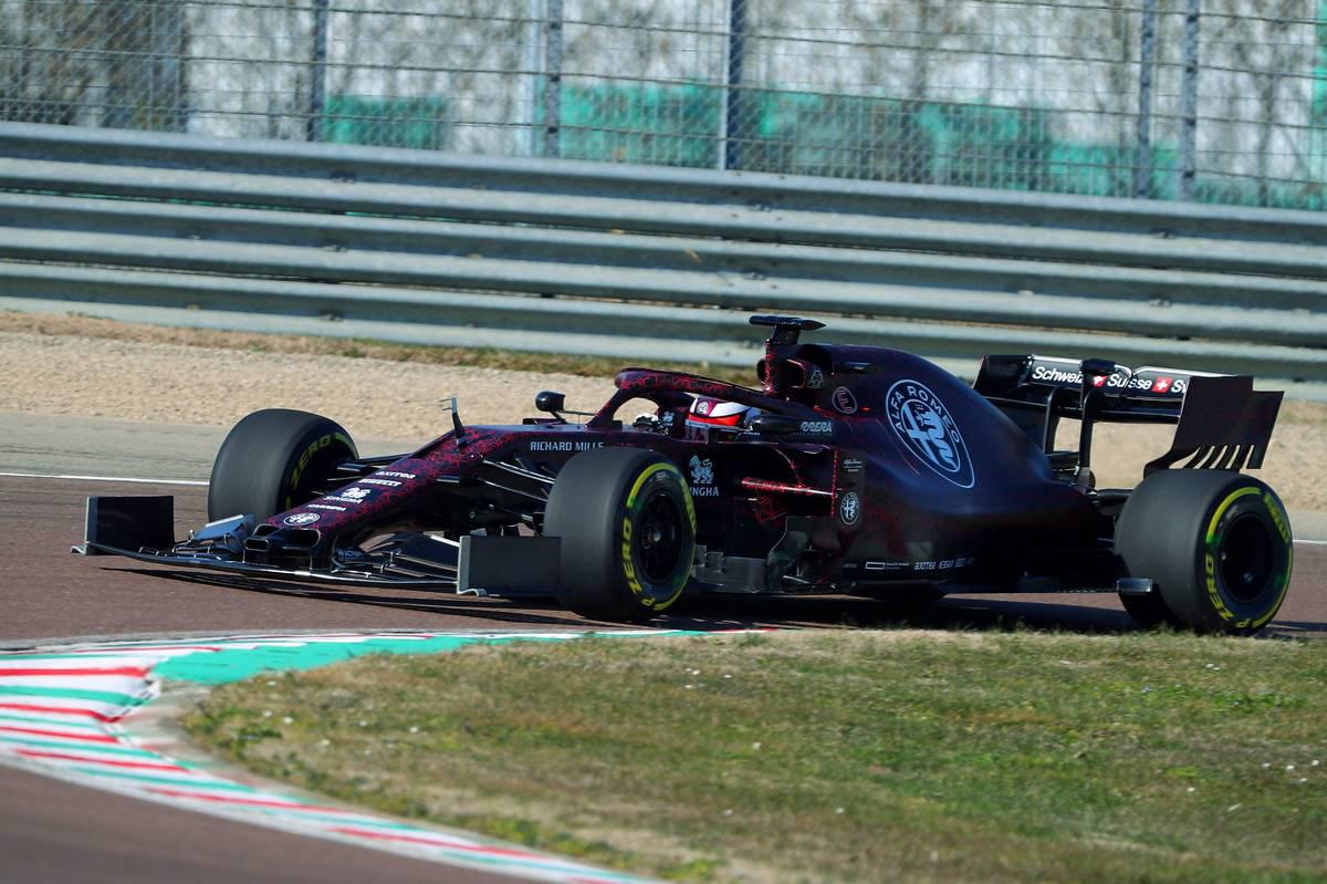 アルファロメオ・レーシング 2019年F1マシン ⑧