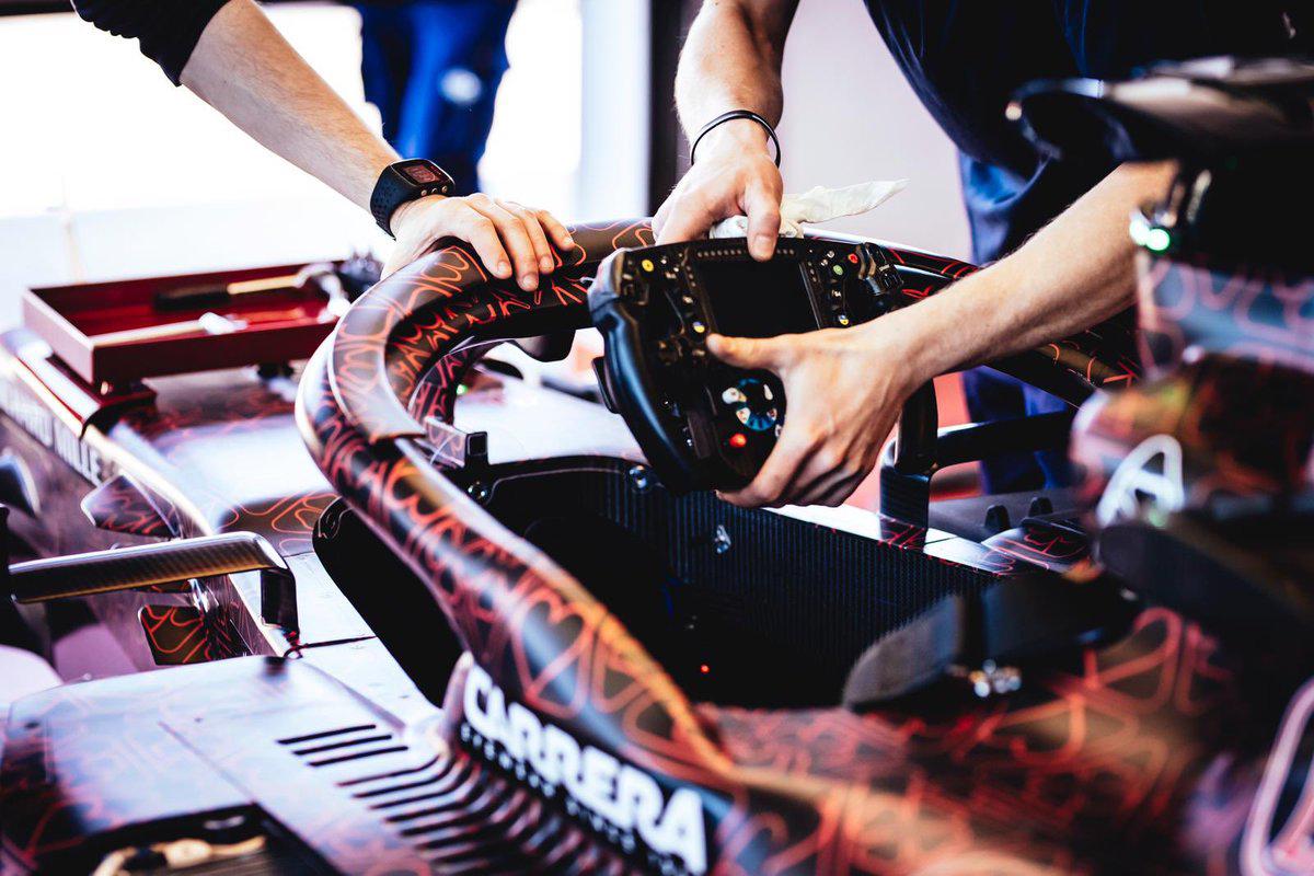 アルファロメオ・レーシング 2019年F1マシン ⑪
