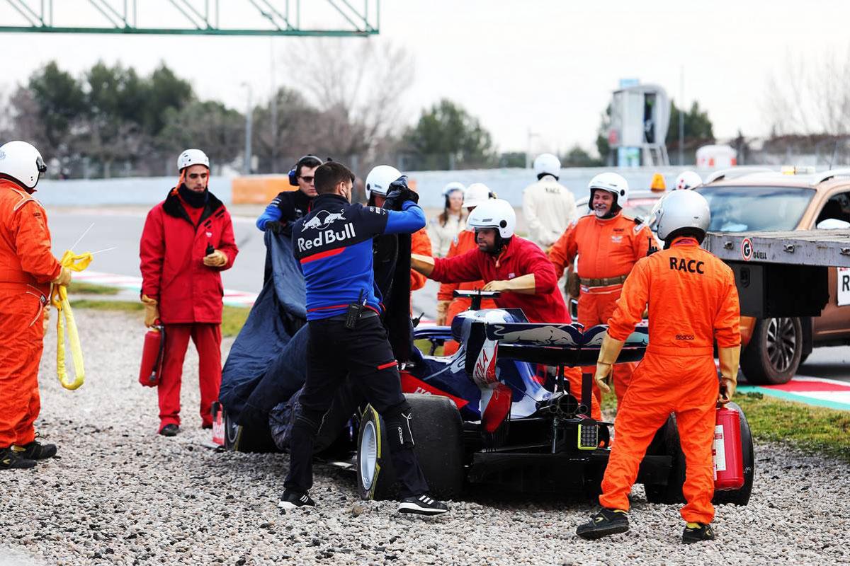 F1 バルセロナテスト 2日目 動画
