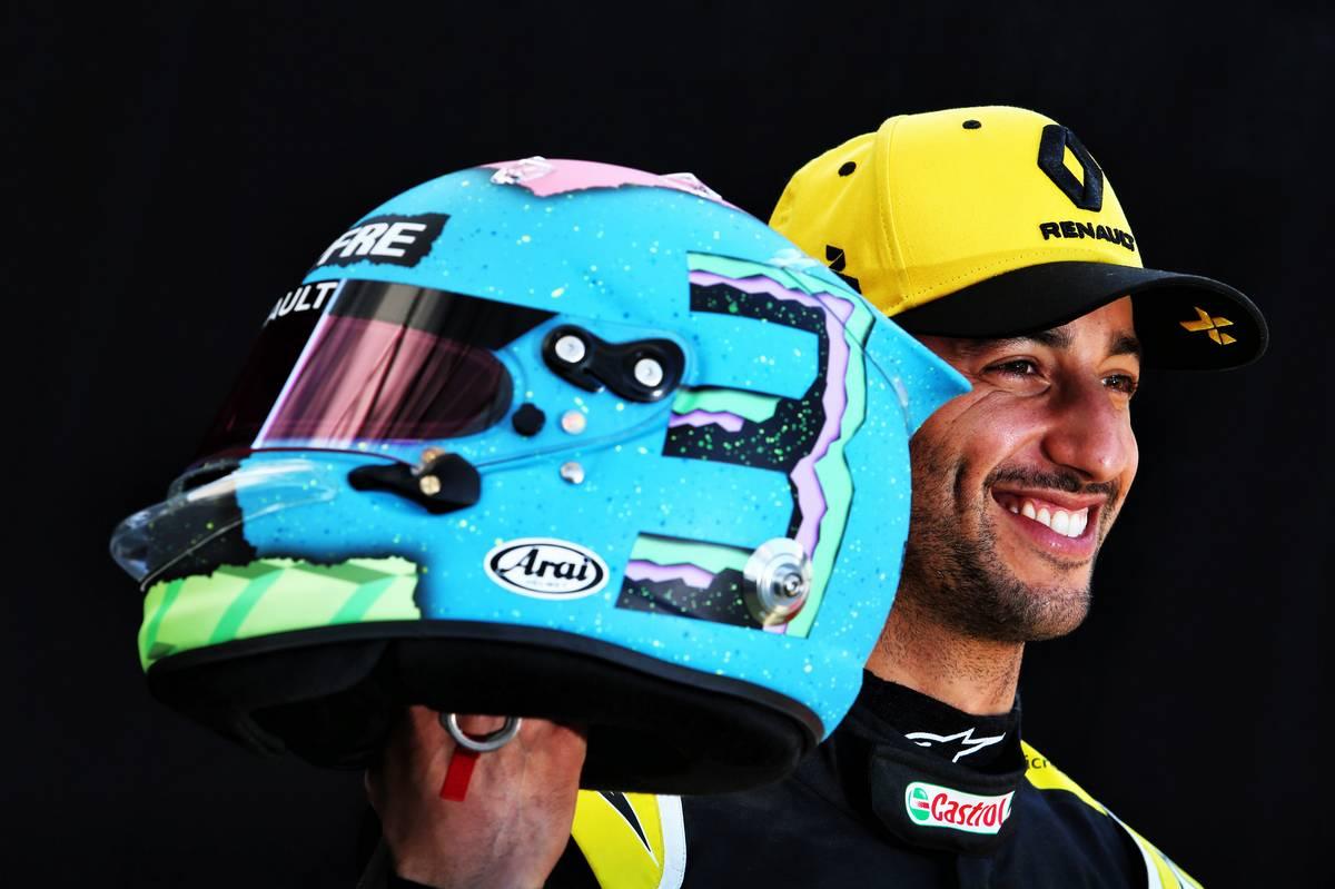 ダニエル・リカルド 2019年 F1ヘルメット