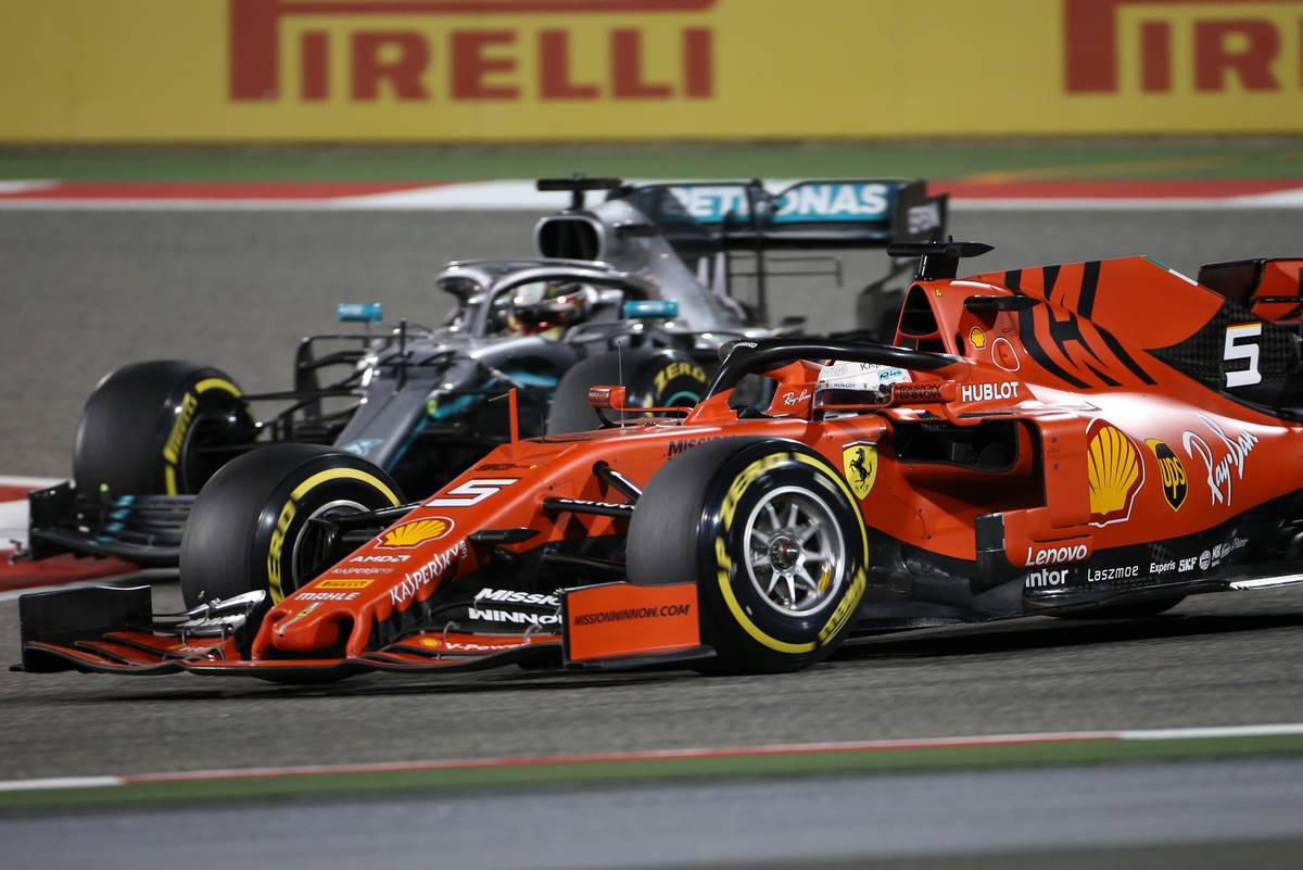 F1 メルセデス フェラーリ