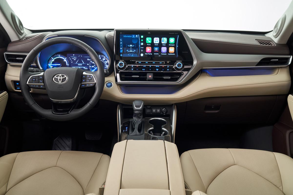 トヨタ 新型ハイランダー:最新の安全装備やマルチメディア機能
