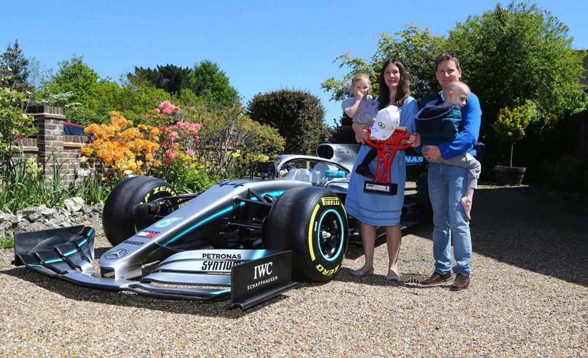 ハリー君に贈られたメルセデスAMG F1のF1マシン