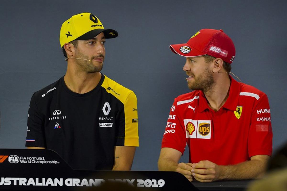 F1 ダニエル・リカルド フェラーリ