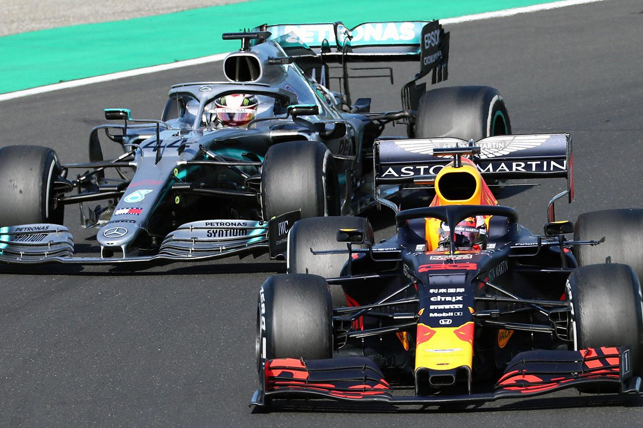 F1 カルロス・サインツ 「フェルスタッペンとハミルトンの実力はほぼ同等」