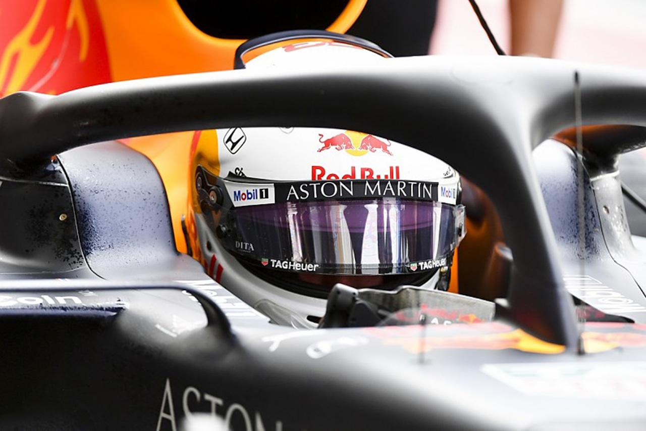 F1 アレクサンダー・アルボン、空力改善を目的にアライ製ヘルメットをテスト