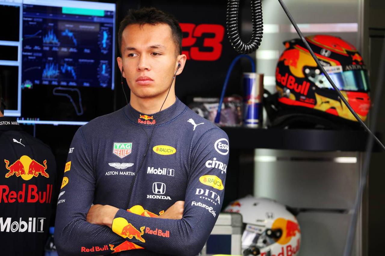 F1 アレクサンダー・アルボンのレッドブル昇格はタイの創業者一族が影響?