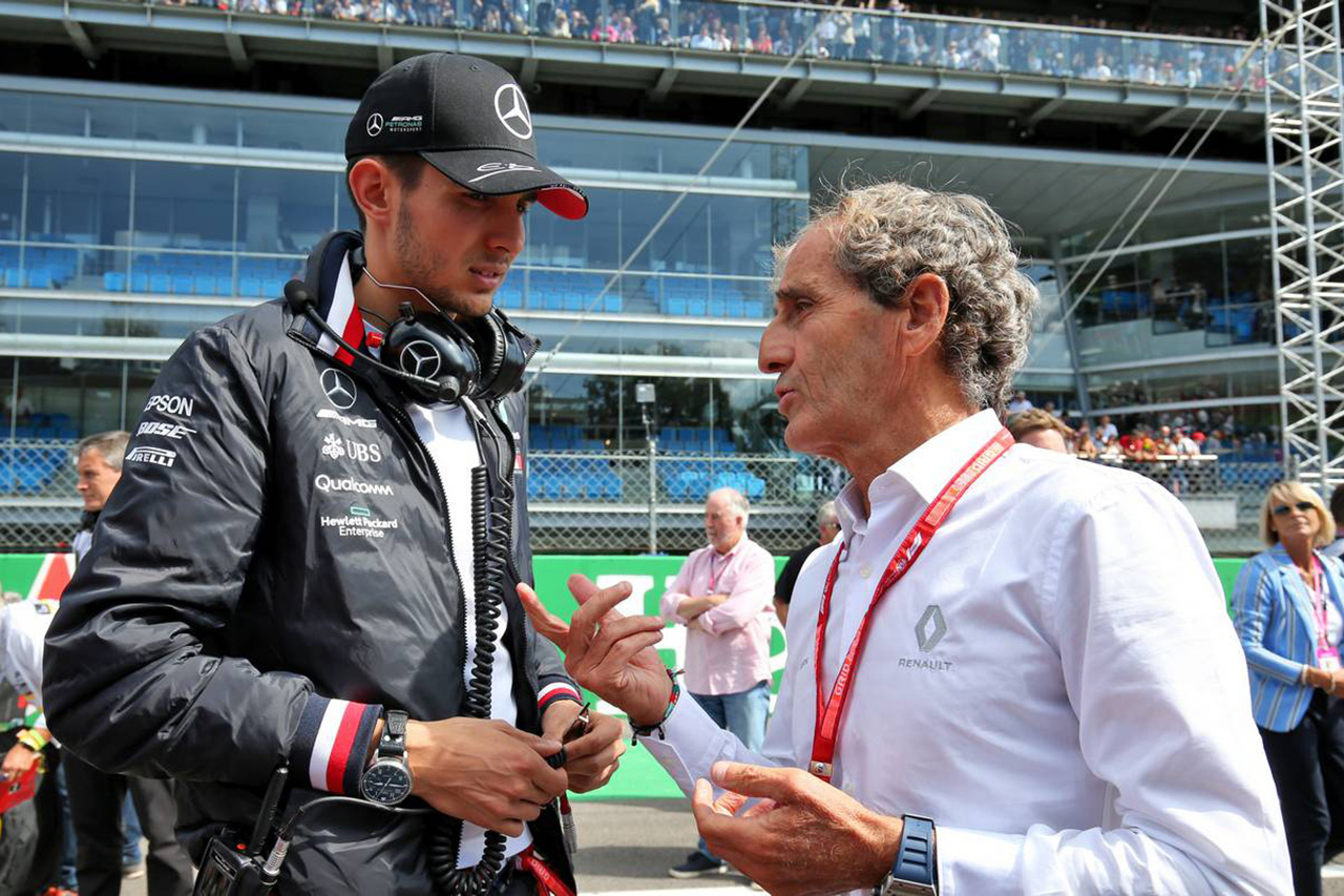 F1 メルセデス、ルノー移籍のエステバン・オコンをチーム会議から外す