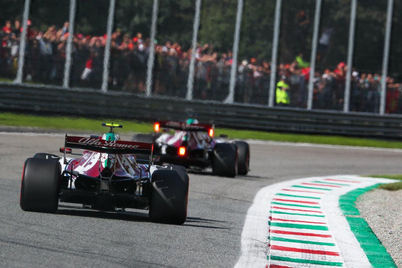 アルファロメオF1 「目標はマクラーレンとルノーを倒して選手権4位」