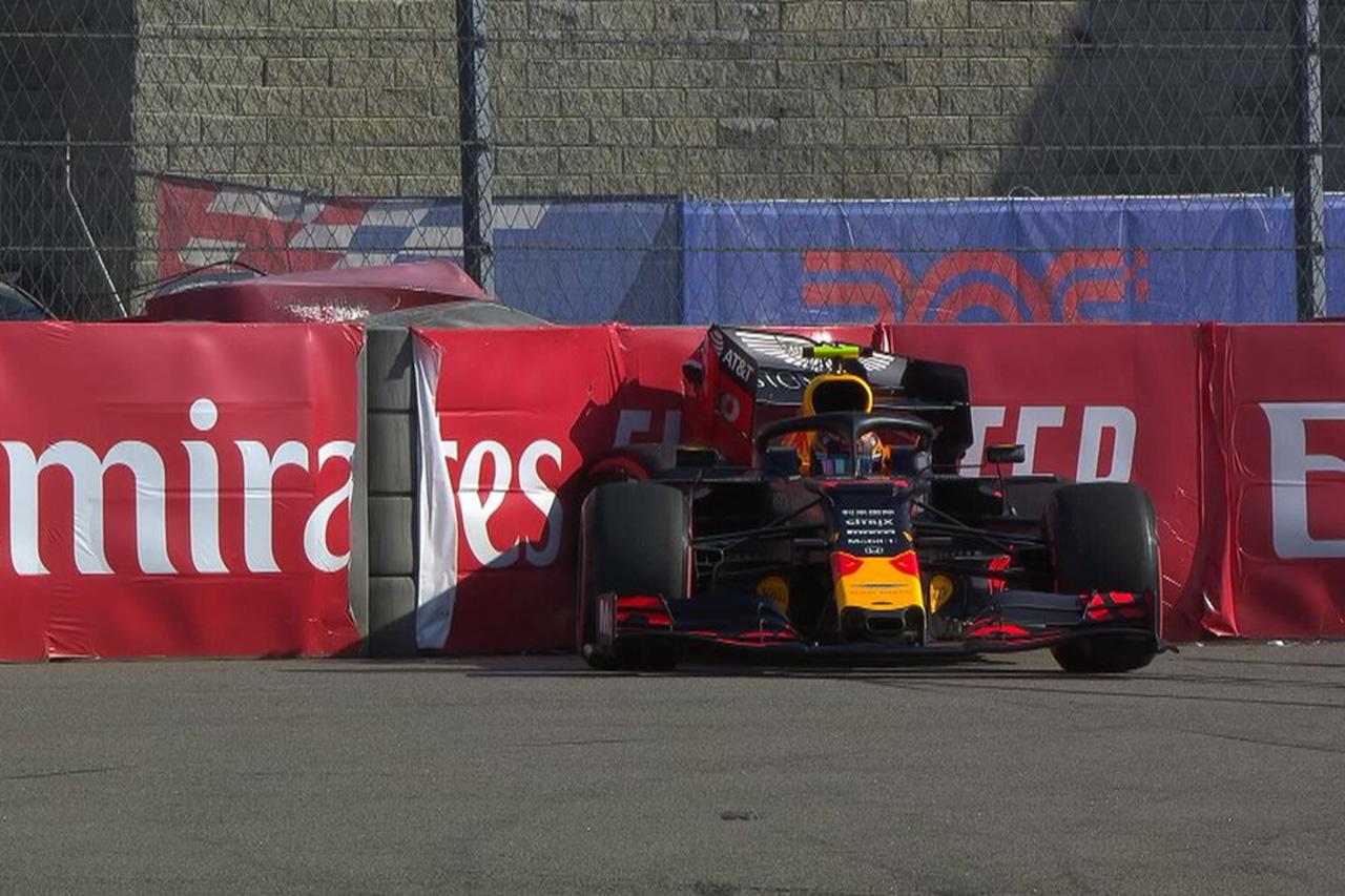 アレクサンダー・アルボンがクラッシュ / F1ロシアGP 予選