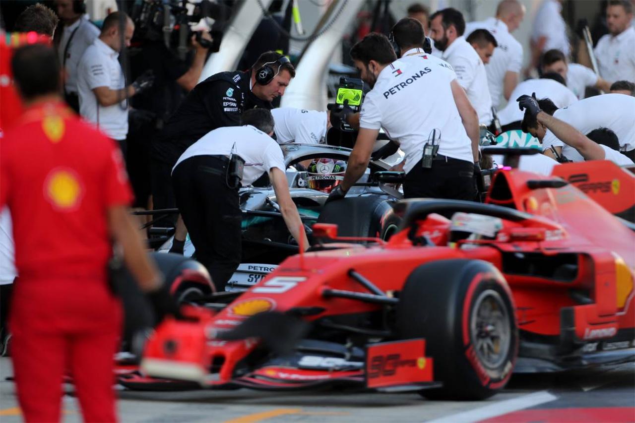 フェラーリ 「メルセデスがミディアムスタートを選択したのは驚き」