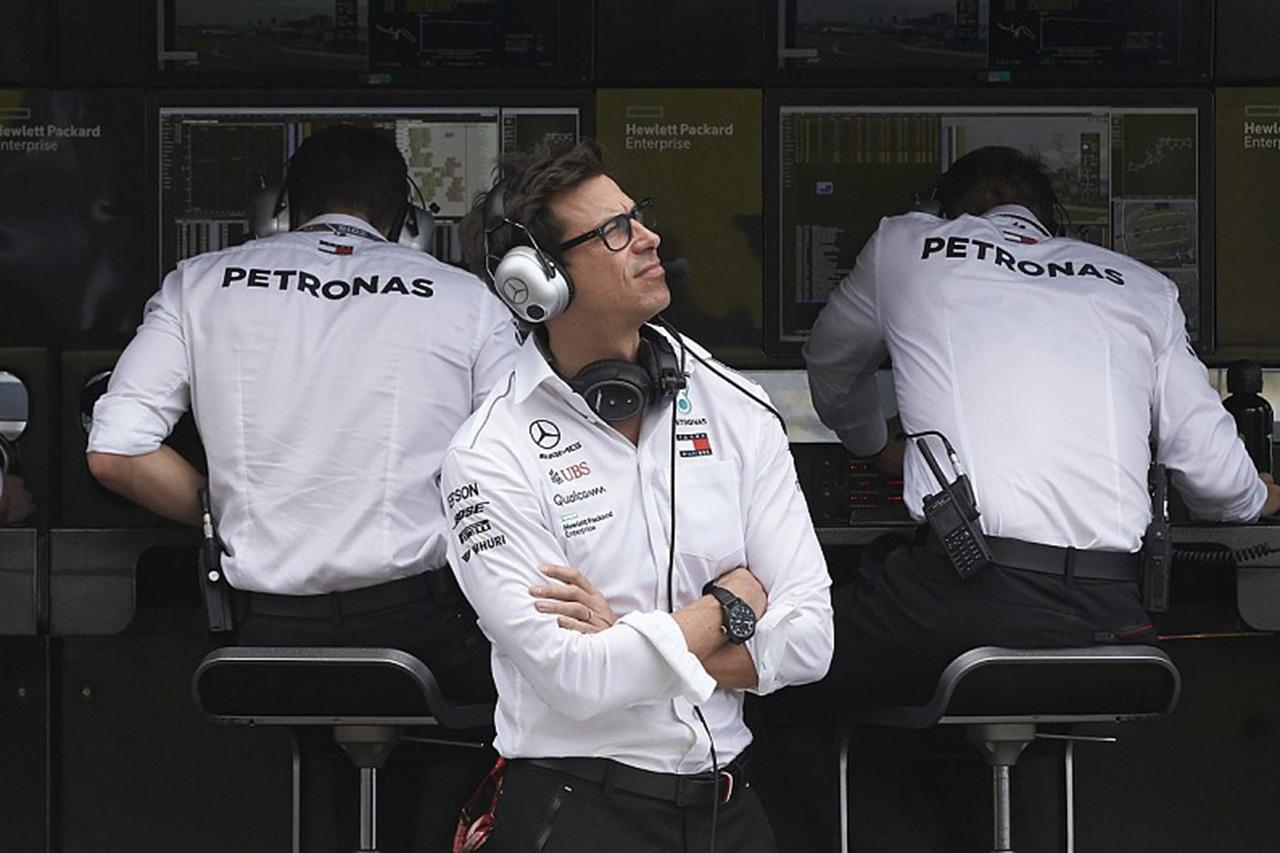 """メルセデス 「フェラーリのF1エンジンは""""桁違い""""」"""