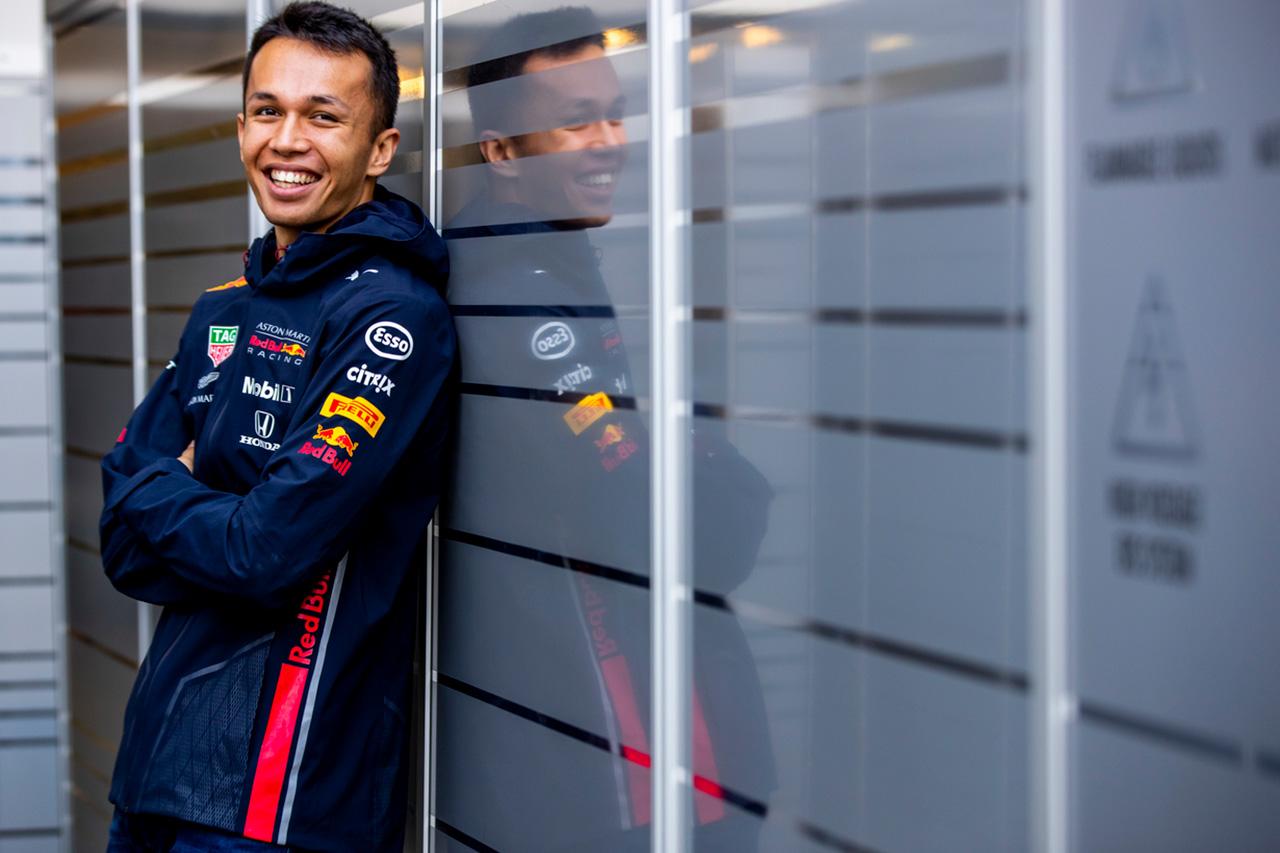 アレクサンダー・アルボン「日本のファンのためにサインペンは準備万全!」 / レッドブル・ホンダ F1日本GP プレビュー