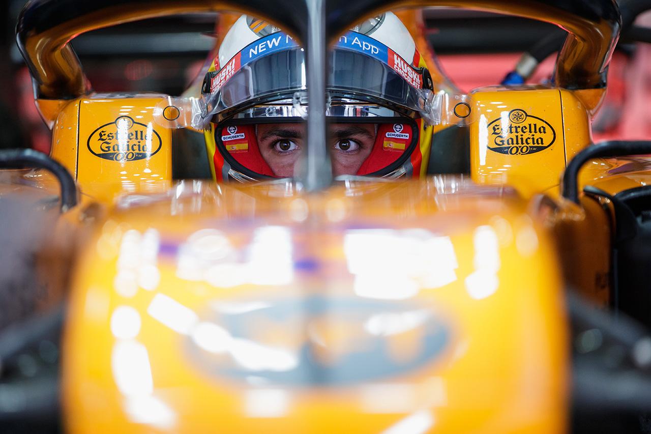 カルロス・サインツ 「鈴鹿の130Rはカレンダーで最も印象的なコーナー」 / マクラーレン F1日本GP プレビュー