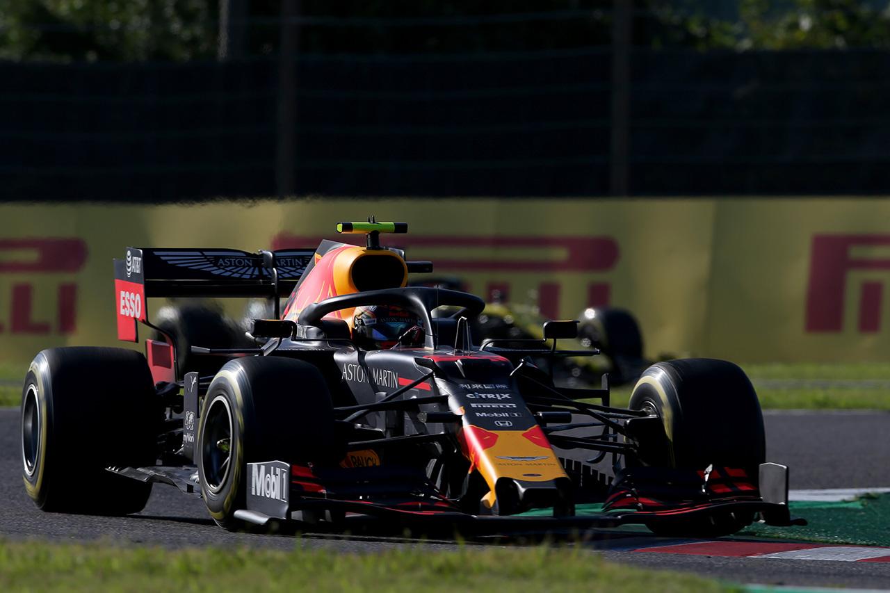レッドブル・ホンダ、アレクサンダー・アルボンが自己ベスト4位入賞 / F1日本GP 決勝
