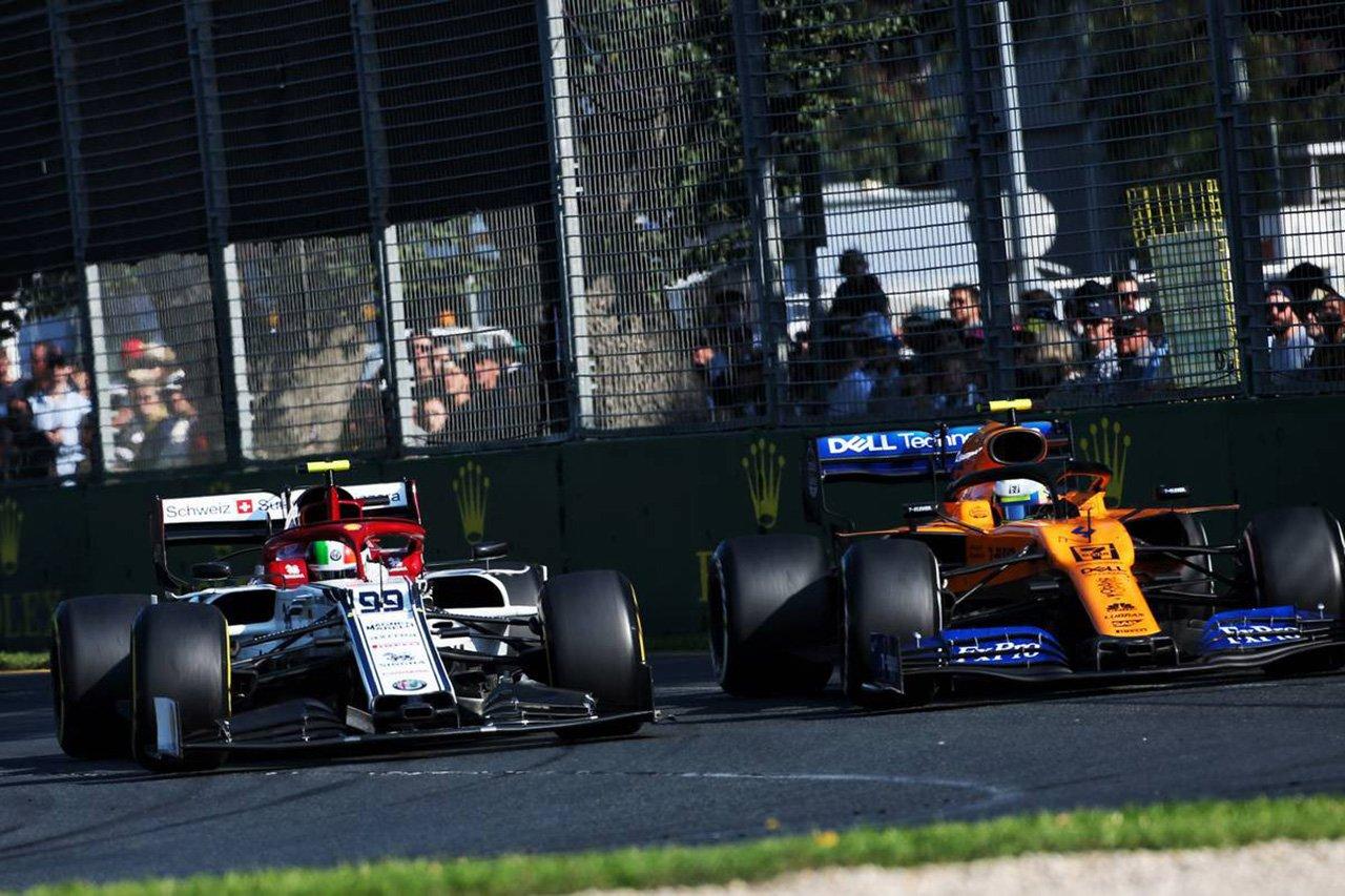 ロマン・グロージャン、F1放送の中団バトルの露出不足に分割画面を提案