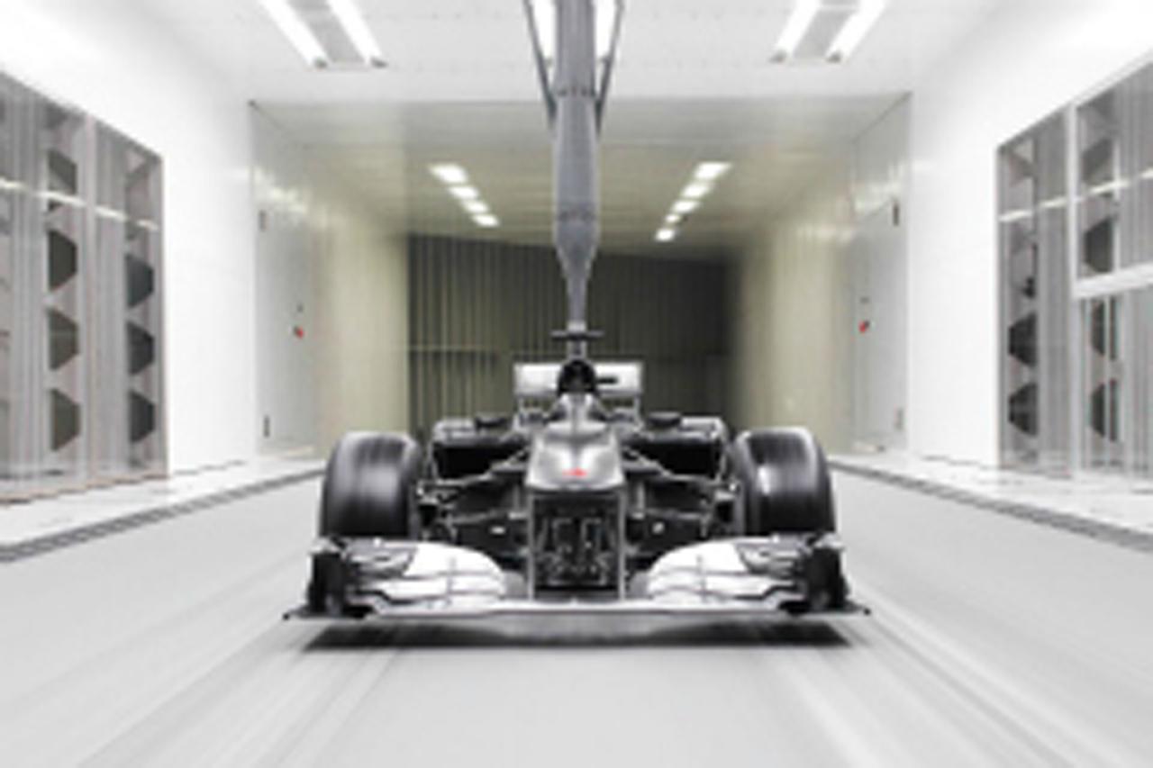 動画:ザウバー F1ファクトリー