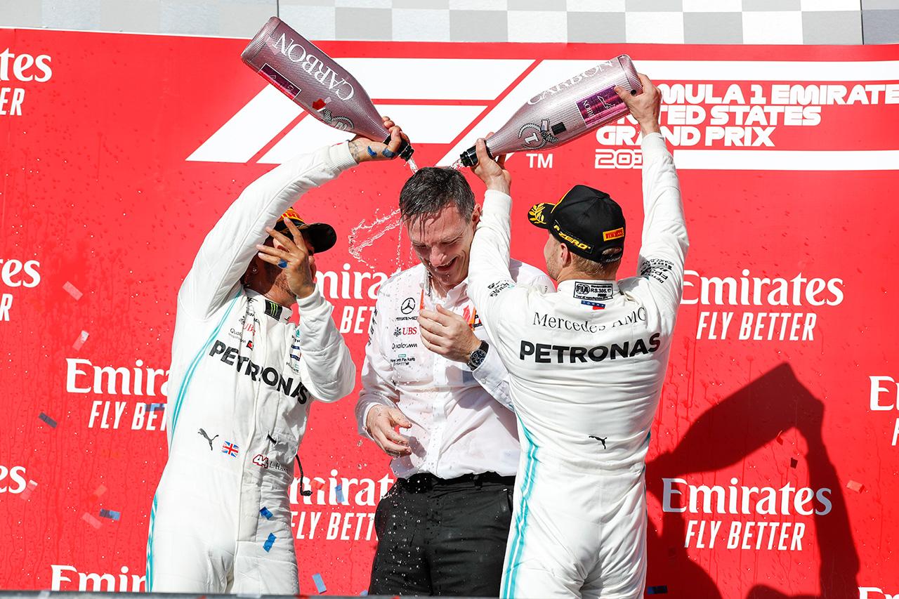 メルセデスF1チーム、ニキ・ラウダに捧げるダブルタイトル6連覇