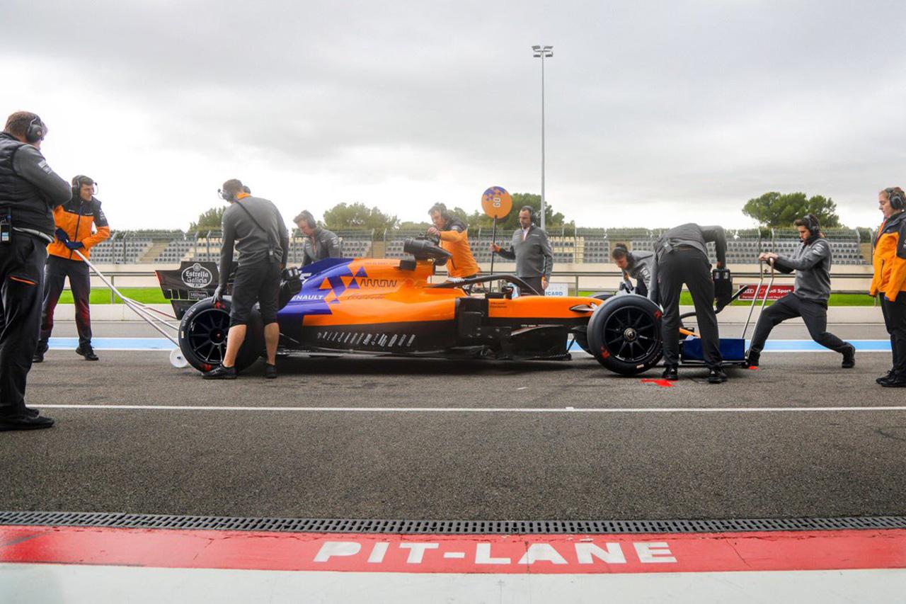 マクラーレン、2021年の18インチF1タイヤのテストを実施